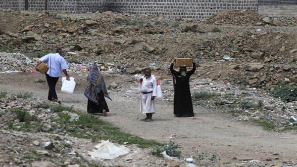 Las organizaciones humanitarias afirman que las medidas impuestas por Arabia Saudita aumentaron el sufrimiento de millones de civiles.