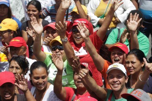 Los venezolanos instaron a los estadounidenses a trabajar en pro de la paz y la estabilidad de las naciones.