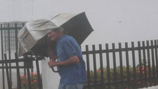 Las tormentas tropicales causan numerosos estragos.