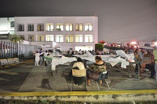 Al menos 15 personas murieron como consecuencia del terremoto de este jueves en México.