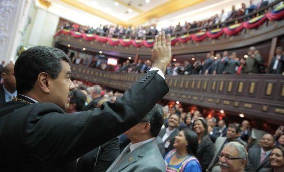 Venezuela insiste en el paso del modelo petrolero de dependencia hacia el modelo productivo.