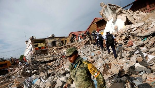 Image result for Mexico declares three-day mourning for quake victims