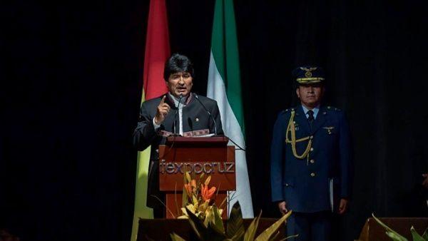 Morales criticó que durante años el FMI dictara el destino económico de Bolivia y de otros países.