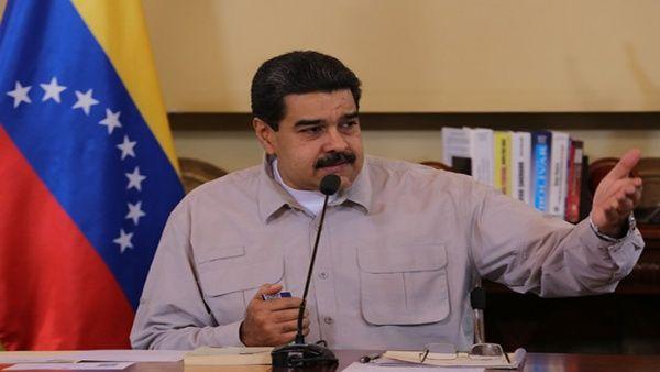 """Durante una alocución, Maduro aseguró que su homólogo estadounidense, Donald Trump, """"aisló a Estados Unidos del mundo""""."""
