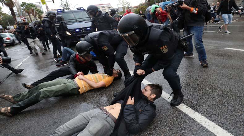 Quedó plasmado el uso desmedido de la Policía Nacional española en contra de los catalanes.