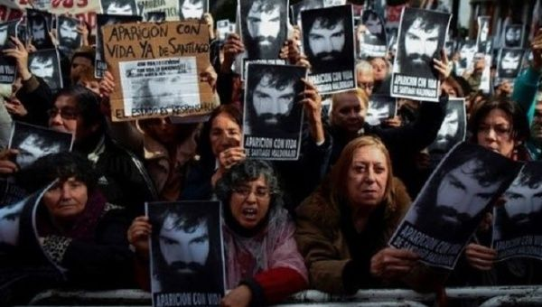 Argentines continue to demand that Santiago Maldonado is returned to his family alive.