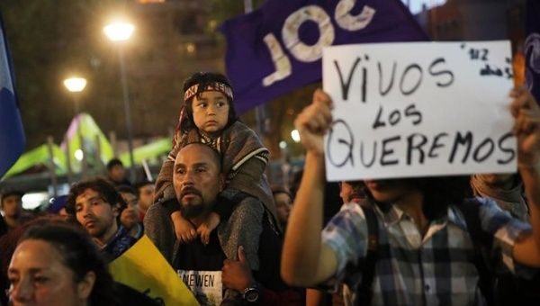 Mapuche families protest in Chile