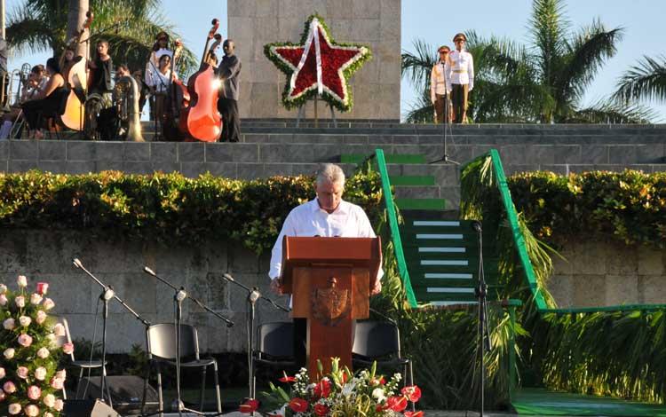 Díaz Canel: El Che enseñó que para construir el futuro debemos estar unidos