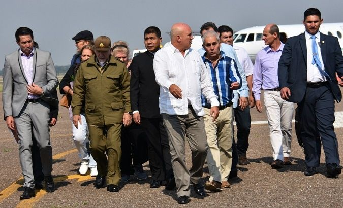 Cuban delegation arrives in Bolivia for ceremonies in honor of Che.