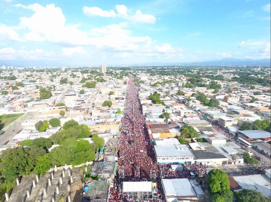 Thousands of Venezuelans take to the streets of Monagas in support of the Bolivarian process ahead of this Sunday's regional elections.