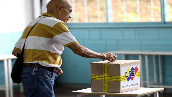 Destacaron la diferencia entre lo que han presenciado durante la jornada electoral y la información transmitida por los medios de sus respectivos países.