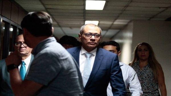 El presidente ecuatorianosuspendióen agosto lasfunciones oficialesasignadas a Glas, según el vicepresidente por pedido de políticos de derecha.