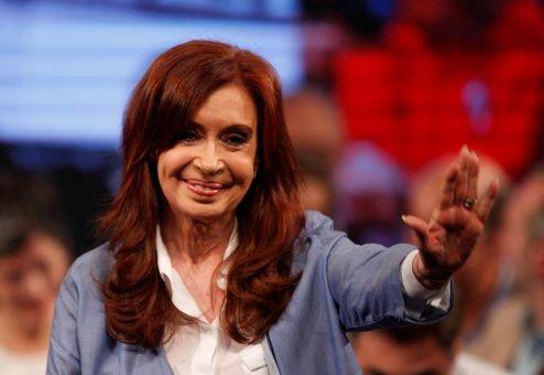 Resultado de imagem para Medios de derecha contra senadora electa Cristina Fernández