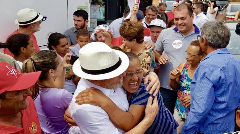 También estuvo en la comunidad rural de Santa Rita, en donde lo recibieron con mucho cariño.