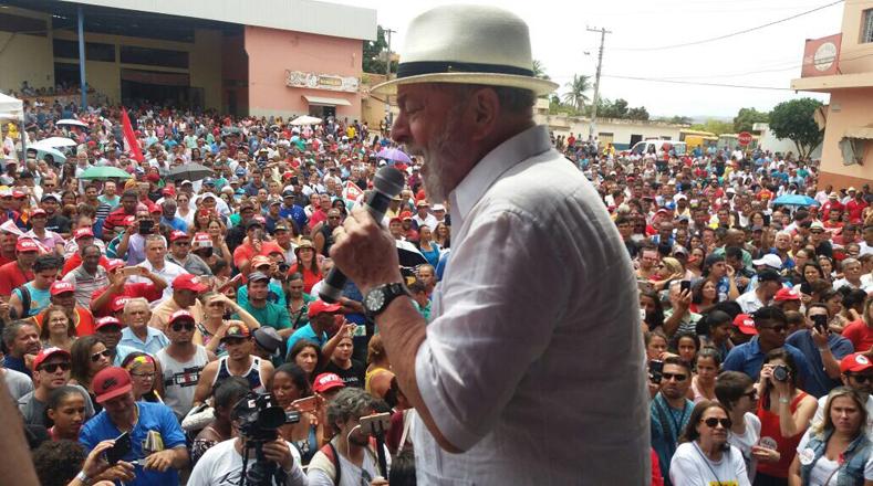 Lula aseguró que mantener encuentros con la comunidad y quienes producen, demuestra que es posible mejorar la situación de la ciudadanía.