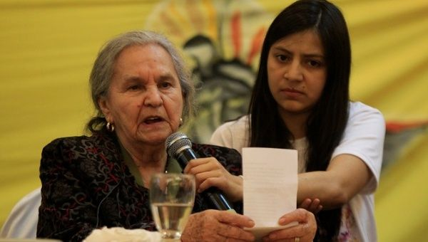 Austra Berta (L) and Laura Zuniga, mother and daughter of Berta Caceres at a press conference, Oct. 31, 2017.