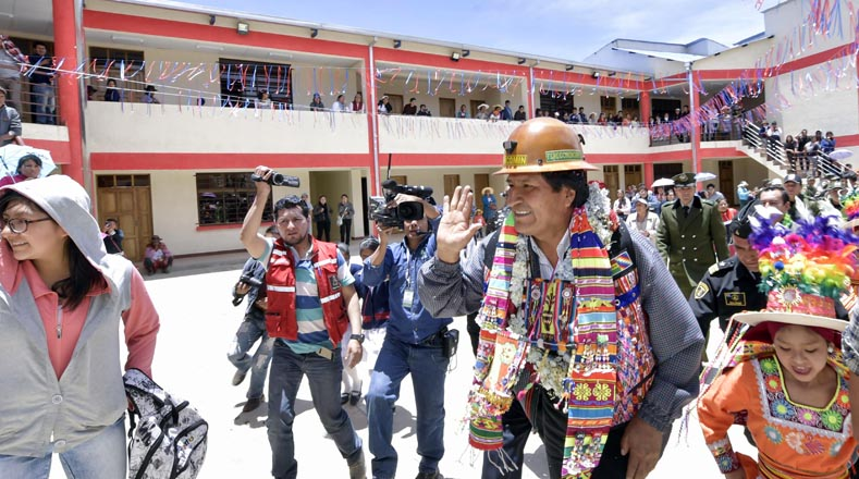During the march Morales led a public ceremony in the southern region of Potosi.