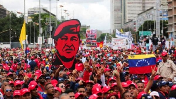 Chavista government supporters in the streets of Caracas.