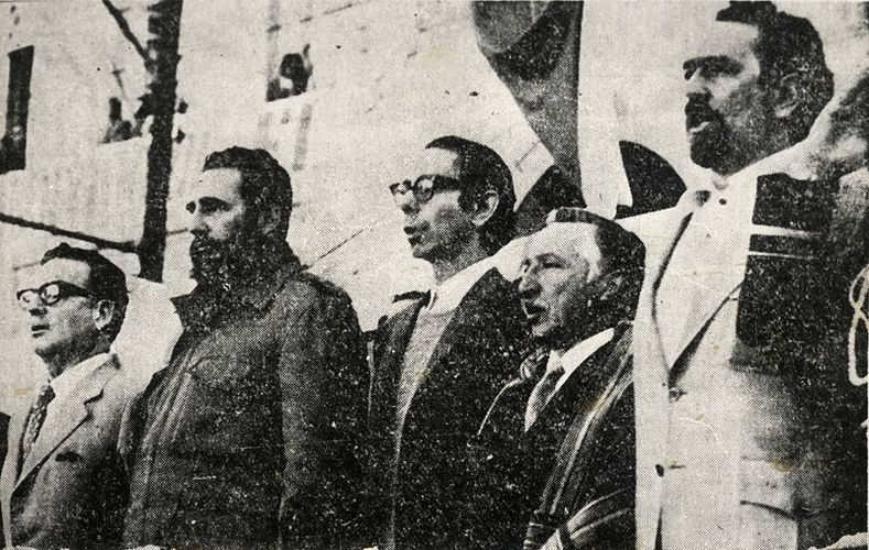 Castro makes a public appearance alongside the Chilean president.