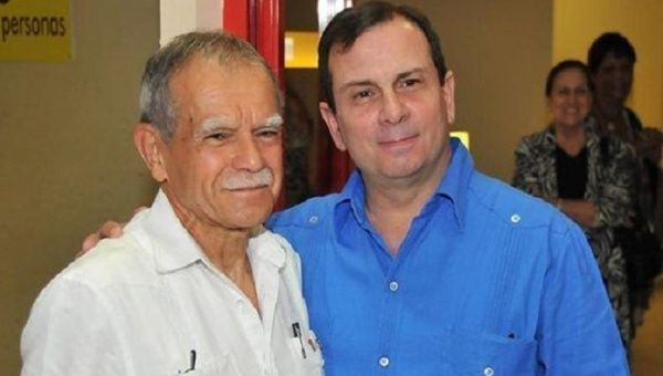 Oscar Lopez Rivera (L) and Fernando Gonzalez Llort, ICAP president and one of the Cuban 5.