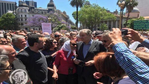 Movilización popular en Argentina para respaldar a Víctor Hugo Morales