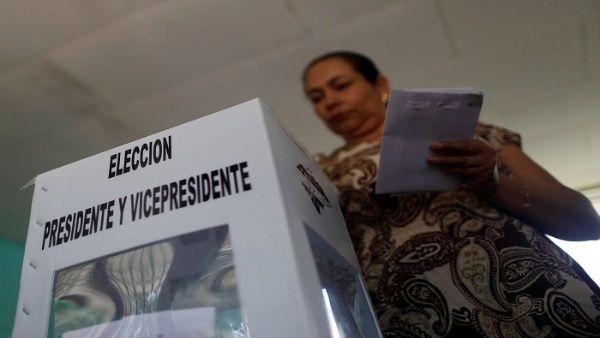 Más de seis millones de hondureños fueron convocados para votar.