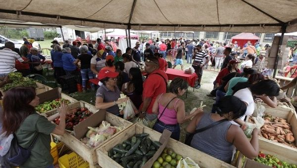 A government food distribution event in Venezuela.