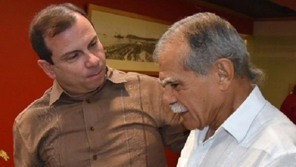 Cuban Fernando González (left) and the Puerto Rican Oscar López became friends over the four years they shared a cell during Lopez