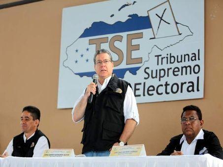 El Tribunal Supremo Electoral aún no da a conocer los resultados de las votaciones presidenciales llevadas a cabo hace seis días.