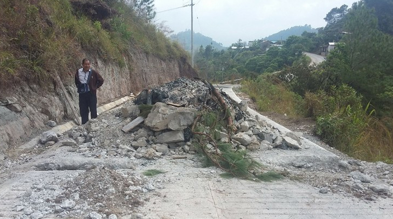 Los accesos en los poblados de Chalchihuitán y Chenalhó se encuentran cerrados, lo que ha provocado una crisis alimenticia en los indígenas que ahí habitan.