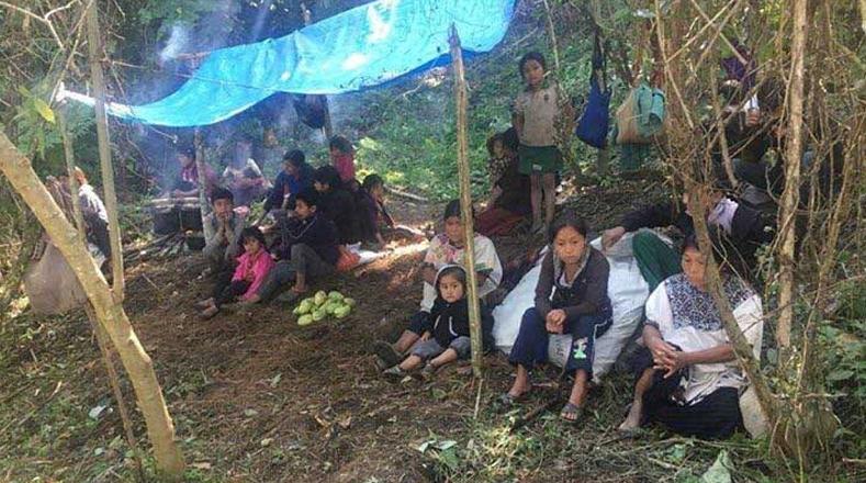 Entre los indígenas desplazados se encuentran hombres, ancianos, niños y mujeres embarazadas, de los cuales muchos se encuentran en grave estado de salud.