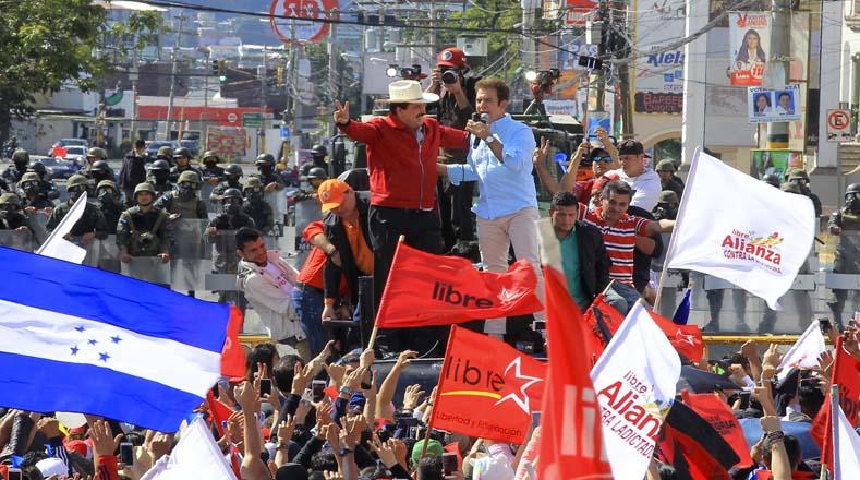 Dirigentes del partido Alianza de Oposición contra la Dictadura aseguraron que las protestas seguirán hasta que revisen todas las actas.