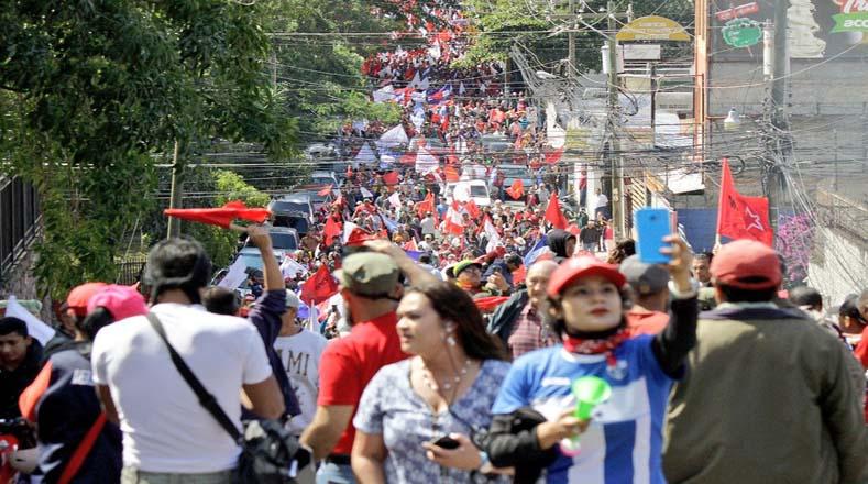 """""""Nosotros no podemos parar al pueblo, que hará lo que tenga que hacer para respetar su voluntad. Mañana continúan los reclamos"""", aseguró Salvador Nasralla."""