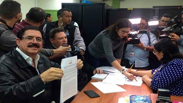 La bancada de oposición denunció fraude tras los comicios presidenciales que dejaron a Hernández como vencedor.