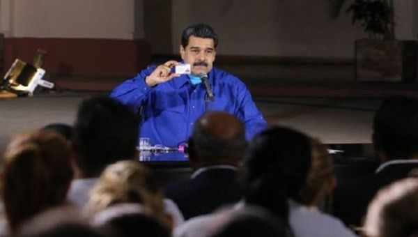 The Venezuelan head of state also assigned a total of 20,000 tablets to the Somos Venezuela movement and the Barrio Adentro Mission.
