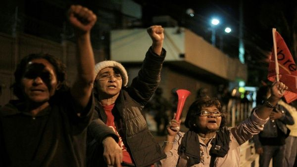 La intención es mantener las manifestaciones en contra del resultado.