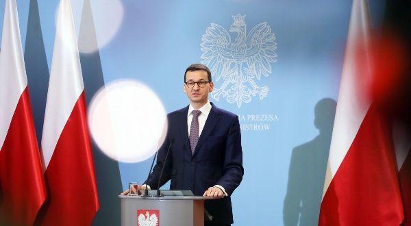 Gobierno polaco cesa a ministros de exterior y defensa for Gobierno exterior
