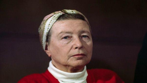 De Beauvoir cuestionó el modelo de pareja y familia que el sistema impone.