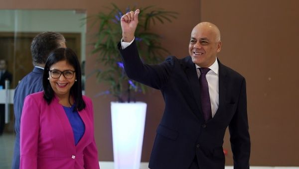 Jorge Rodriguez (R), head of the Venezuelan delegation and Delcy Rodriguez (L), President of Venezuela