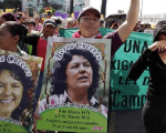 Activists demand an independent investigation into the murder of slain Honduran activist Berta Caceres.
