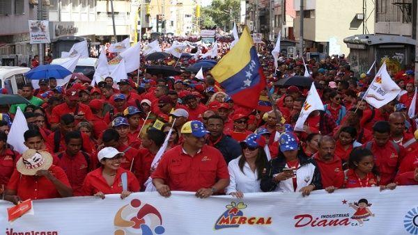 El presidente Nicolás Maduro puso su candidatura a la orden del pueblo para las elecciones.