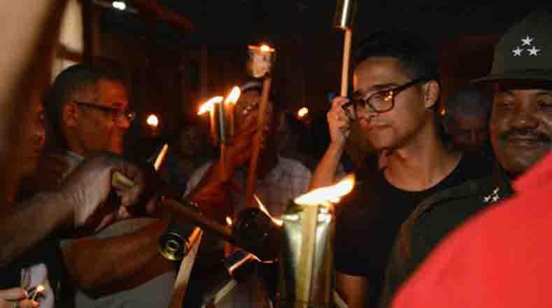 En cada Marcha de las Antorchas resalta el apoyo de los estudiantes a la Revolución.