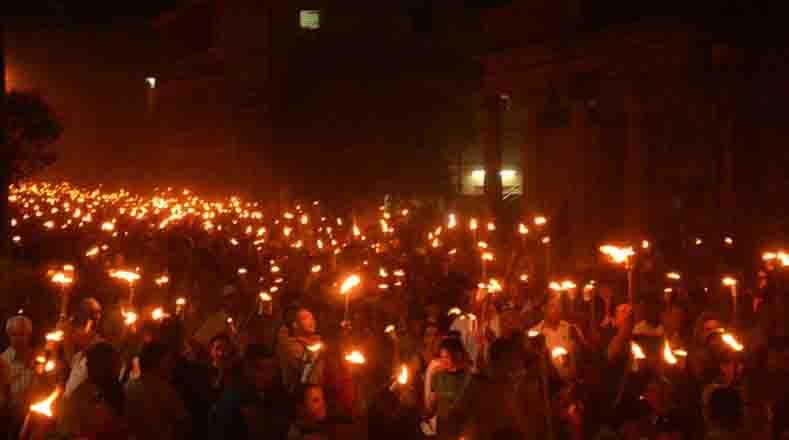 La Marcha de las Antorchas, en memoria José Martí, se realizó por primera vez la medianoche del 27 de enero de 1953, para esperar el advenimiento del centenario de su natalicio.