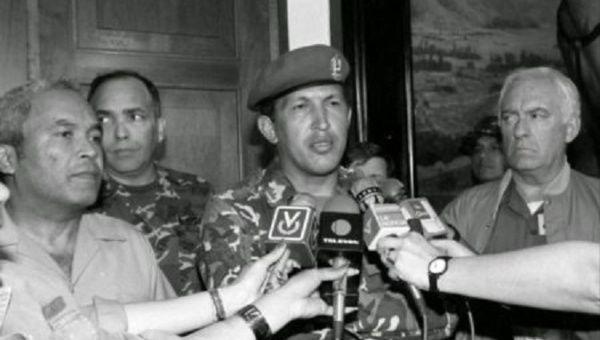 ベネズエラ:2月2日は、1992年の...