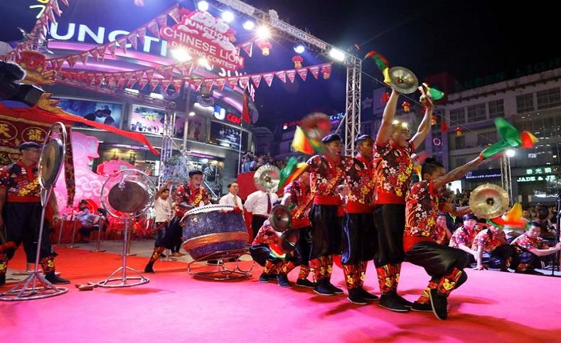 La ancestral tradicióncorresponde a la celebraciónnúmero 4716 que da inicio formal al añoNuevo Lunar, el próximo 16 de febrero, que representa a un animal, correspondienteal calendario asiático.