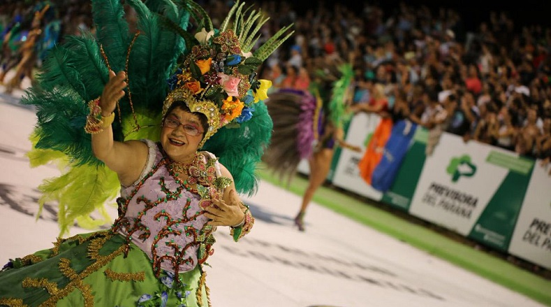 As is well known in Carnival, a queen is chosen to represent the region.