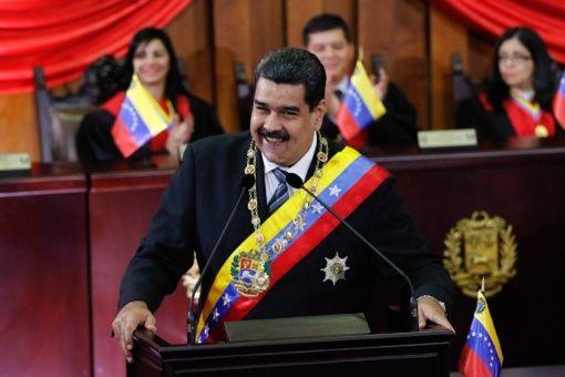 """Maduro: """"Esta medida fortalece la democracia que caracteriza a Venezuela""""."""