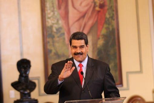 A través de su cuenta de Twitter el mandatario publicó el video para todos los venezolanos y el mundo.