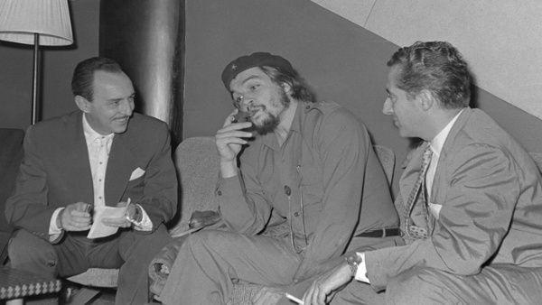 El Che (en el centro) siempre otorgó mucha importancia a la comunicación.