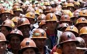 A Bolivian miner trapped for more than 26 hours without food or water in the San Jose mine under the city of Oruro has been rescued.